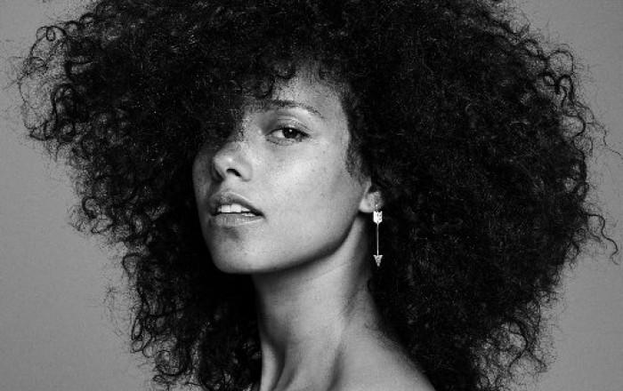 Alicia Keys abandona su cruzada contra el maquillaje