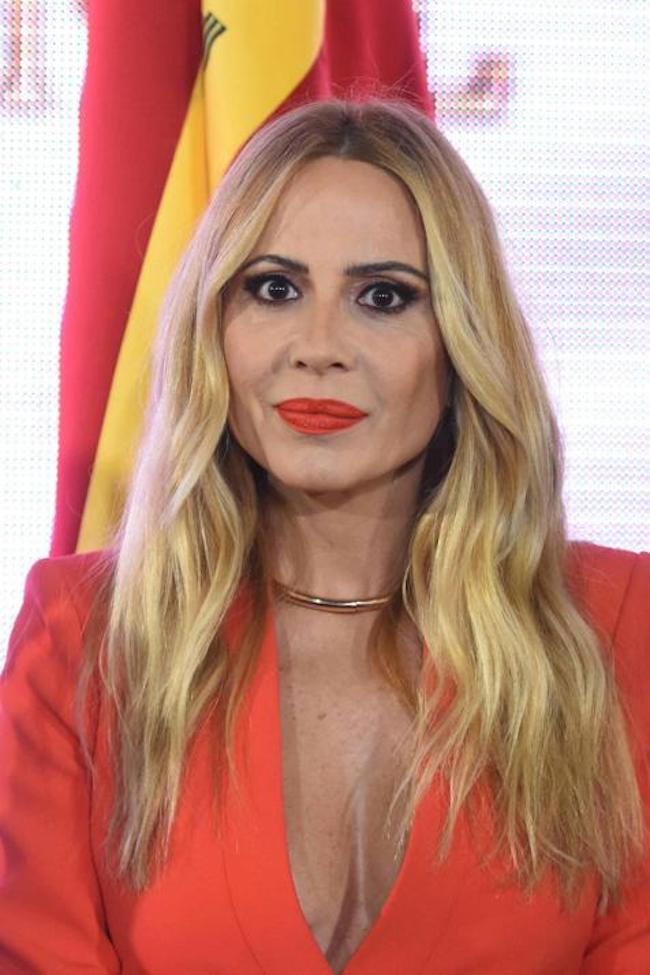 Marta Sanchez himno