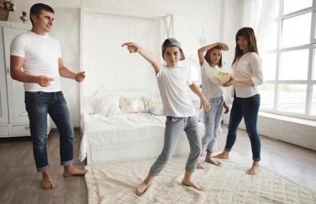 Canciones para bailar con los niños en casa